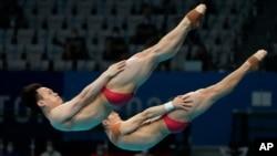 28일 열린 2020 도쿄올림픽 남자 3m 싱크로나이즈 스프링보드 경기에서 중국 셰시이-왕중위안 조가 우승했다.