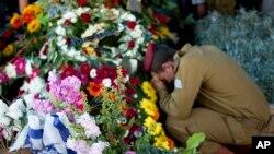 د یو اسریلي سرتیري د جنازي مراسم