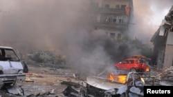 Sebuah bom mobil meledak di dekat markas besar partai Baath di kawasan padat penduduk di wilayah Mazra, pusat kota Damaskus. (21/2).
