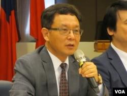 台湾淡江大学国际研究学院院长王高成