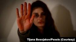Foto ilustrasi yang menyerukan dihentikannya kekerasan terhadap perempuan. (Foto: dok)