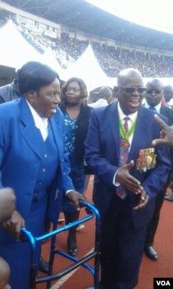 UNkosikazi Maud Muzenda, umkamuyi uSimon Muzenda, owayengumsekeli kamongameli welizwe leZimbabwe.