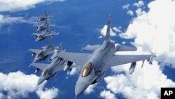 Balafirên F-16.