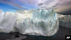 Pencairan es di Kutub yang terus meningkat (foto: dok). Dekade yang berakhir tahun 2010 telah menjadi musim terpanas dalam sejarah.