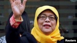 Halimah Yacob, perempuan etnis Melayu berusia 63 tahun, hari Rabu (13/9) akan ditetapkan menjadi presiden Singapura.