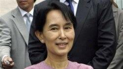 وزير خارجه برمه: «آنگ سان سوچی» ماه آينده آزاد خواهد شد