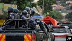 正在巡逻的乌干达警察 (资料照片)