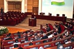 Oliy Majlis saylovlari bilan ko'pchilikning ishi yo'q - Malik Mansur