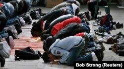 Prière du vendredi à la mosquée de la communauté de la foi islamique à Copenhague le 7 septembre 2007.