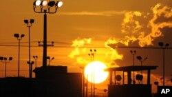 Закат над тюрьмой Гуантанамо