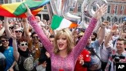 Có hơn 60% cử tri đi bầu, con số cao nhất trong một cuộc phổ thông đầu phiếu tại Ireland trong hơn hai thập niên.