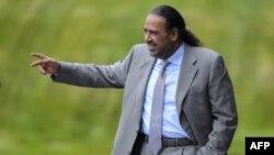 FIFA ကမၻာ့ေဘာလုံးအဖြဲ႔ခ်ဳပ္ေကာင္စီ၀င္လည္းျဖစ္၊ OCA - အာရွအုိလံပစ္ ေကာင္စီ၀င္လည္းျဖစ္တဲ့ Sheikh Ahmad ရာထူးကႏႈတ္ထြက္