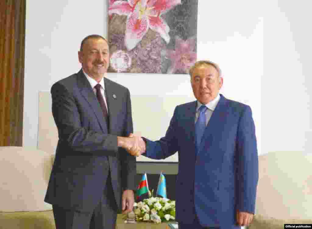 Azərbaycan prezidenti İlham Əliyev və Qazaxıstan prezidenti Nursultan Nazarbayev
