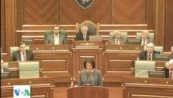 Presidentja e Kosovës flet në parlament