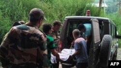 ایل او سی پر گولہ باری کے تبادلے میں بھی دونوں جانب عام شہریوں اور فوجی اہلکاروں کی ہلاکت کی تصدیق کی گئی ہے— فائل فوٹو