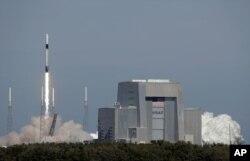 Falkon-9 raketasi