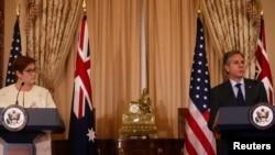 Ngoại trưởng Úc Payne (trái) và Ngoại trưởng Mỹ Blinken họp báo hôm 13/5.