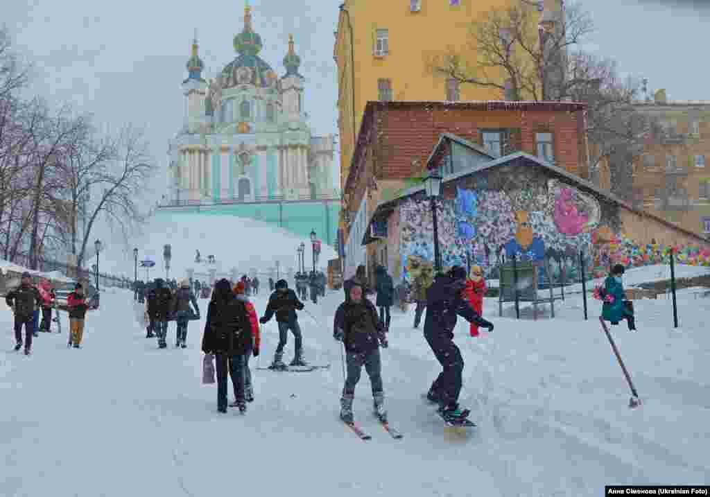 Весняний Київ став зимовим курортом