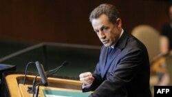 Sarkozy Fransız Yahudilerinden İnkar Yasasına Destek İstedi
