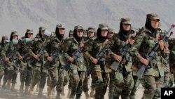 کابل: خواتین فوجی دستہ