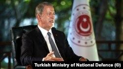 Milli Savunma Bakanı Hulusi Akar İngiliz Channel 4 televizyon kanalına açıklamalarda bulundu.