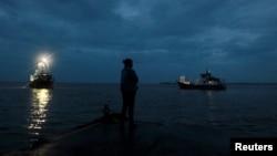 Otto dekóo olas de 3,5 metros y daños en casas en el puerto de Bluefields, Nicaragua.