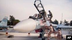 تصویر آرشیوی از خلبانان روس در سوریه
