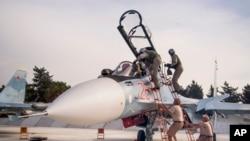 俄羅斯戰機離開敘利亞拉塔基亞省西部