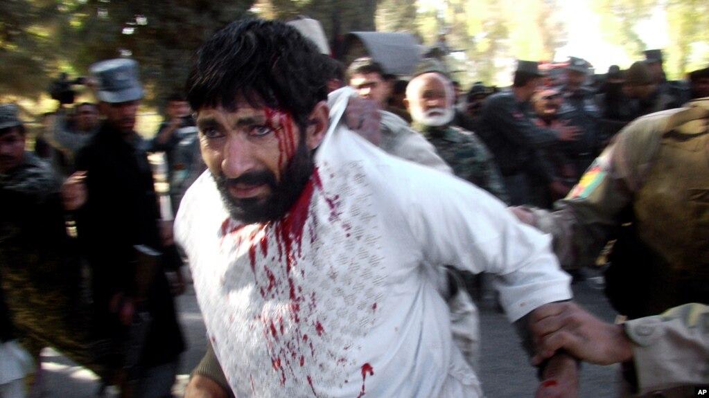 مقامها در حمله لشکرگاه ۲۲ کشته و بیش از ۵۰ زخمی را تأیید کرده اند