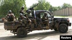 Des soldats nigériens engagés dans la lutte contre Boko Haram à Diffa, Niger, 3 september 2015.
