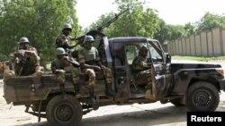Sojojin Nijar dake fafatawa da 'Yan Boko Haram a Bosso cikin jihar Diffa