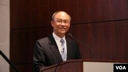 台湾经济部长邓振中 (美国之音钟辰芳拍摄)