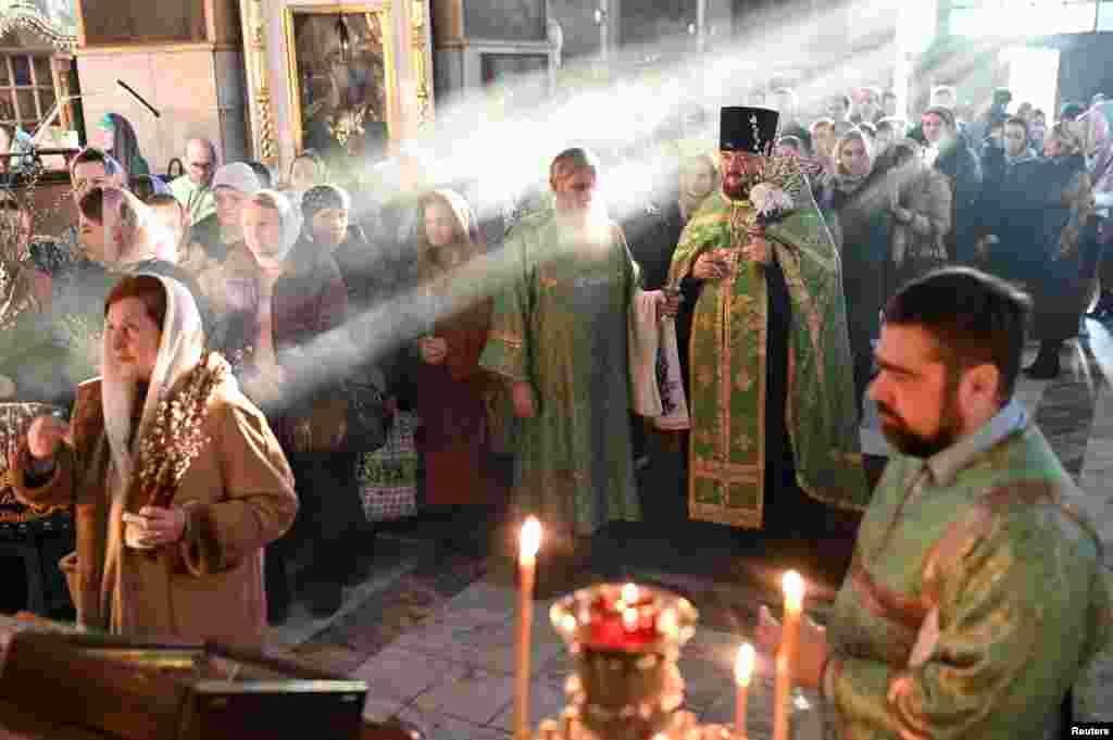 ლოცვა პანდემიის დროს - რუსეთი