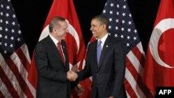 Премьер-министр Турции Реджеп Тайип Эрдоган и президент США Барак Обама на двусторонней встрече в Сеуле, 25 марта 2012