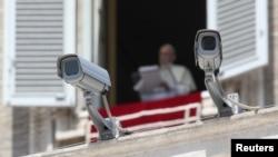 El secretario de Estado, Pietro Parolin, número dos en la jerarquía de la Santa Sede, dijo que el Vaticano no ha tomado nuevas medidas de seguridad, que ya son de alto nivel.