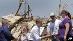 Περιοδεία Ομπάμα σε περιοχές που επλήγησαν από ανεμοστρόβιλους