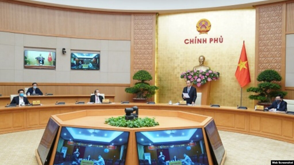Thủ tướng Chính phủ Việt Nam Nguyễn Xuân Phúc họp trực tuyến hôm 10/4/2020. Hình minh họa. Photo Chinhphu.