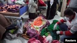 تنها در کرمانشاه ایران نزدیک به ۶۰۰۰ نفر در اثر این زلزله زخمی شده است