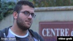 Anh Anas Sharr, sinh quán ở Aleppo, chạy trốn khỏi cuộc chiến tranh Syria vài tháng trước và nằm trong số 30 nghìn người tị nạn đợt đầu được chính phủ Pháp sẽ tiếp nhận trong vòng 2 năm tới.