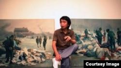 陈光及其六四题材作品。(网络图片)