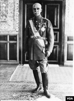 رضا شاه پهلوی از ۱۳۰۴ تا ۱۳۲۰ در ایران شاه ایران بود.
