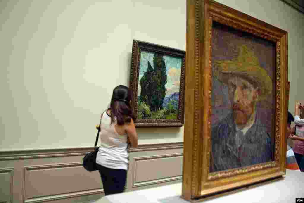 Los visitantes pueden disfrutar desde obras de la antigüedad egipcia y asiática hasta pinturas impresionistas, modernistas o expresionistas.