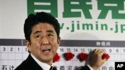 16일 일본 총선에서 승리한 자민당의 아베 신조 총재.