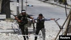 Pripadnici Vojske Slobodna Sirija u Alepu, 24. August, 2012.