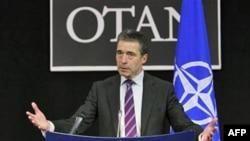 Tổng Thư Ký NATO, Rasmussen, nói liên minh sẽ hoàn tất các kế hoạch để có thể đề ra 'hành động thích hợp' đối với Libya