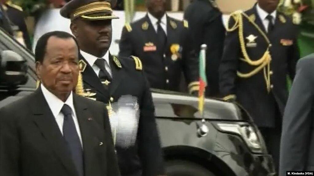 Le président camerounais Paul Biya lors d'une cérémonie officielle à Yaoundé, au Cameroun, le 20 mai 2018.