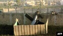 Báo Mỹ trích lời giới chức Mỹ nói Pakistan cho phép kỹ sư Trung Quốc chụp hình và ngay cả mang đi những mẫu của chiếc trực thăng Mỹ bị rớt trong vụ đột kích giết chết bin Laden