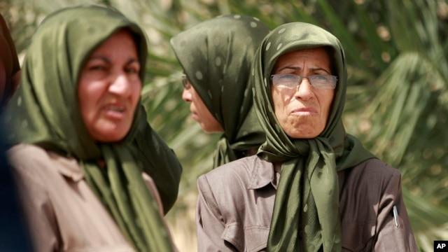 """Pripadnice organizacije Mudžahedin-e Kalk  u izbegličkom kampu """"Sloboda"""""""