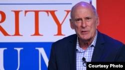 댄 코츠 미국 국가정보국장이 19일 '아스펜 안보포럼'에서 발언하고 있다. 사진 제공: Aspen Security Forum.