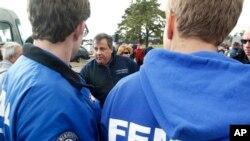 Staff FEMA saat badai Sandy (Foto: ilustrasi)